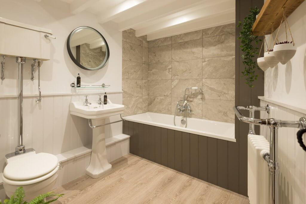 First and Last, Port Isaac, Cornwall, main bathroom